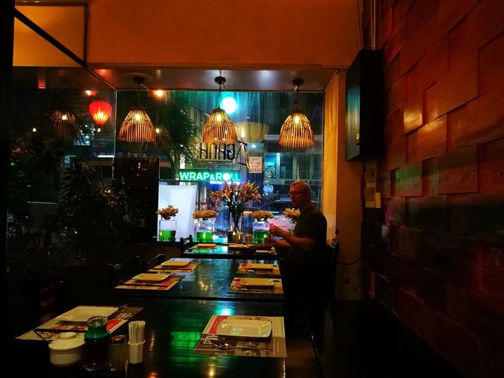 ganh04 HoChiMinh-Gánh胡志明正宗越南餐廳 燈光美氣氛佳食物普通而已 哈