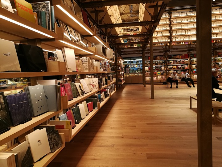 gsixtsutaya10 Ginza-銀座最新購物商場 GSIX櫃櫃都美 蔦屋書店 始終美麗的設計書店