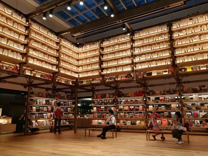 gsixtsutaya16 Ginza-銀座最新購物商場 GSIX櫃櫃都美 蔦屋書店 始終美麗的設計書店