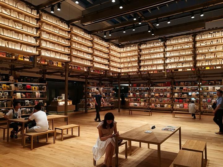 gsixtsutaya18 Ginza-銀座最新購物商場 GSIX櫃櫃都美 蔦屋書店 始終美麗的設計書店