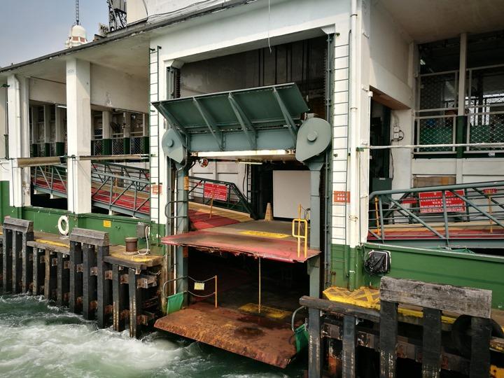 starferry1 HK-天星小輪 承載港人來往兩岸 欣賞維多利亞港美景