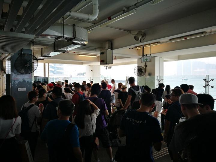 starferry12 HK-天星小輪 承載港人來往兩岸 欣賞維多利亞港美景