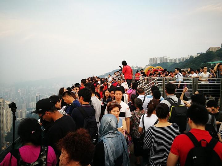 thepeak12 HK-擁擠的太平山The Peak 太平山夜景香港城市的擁擠