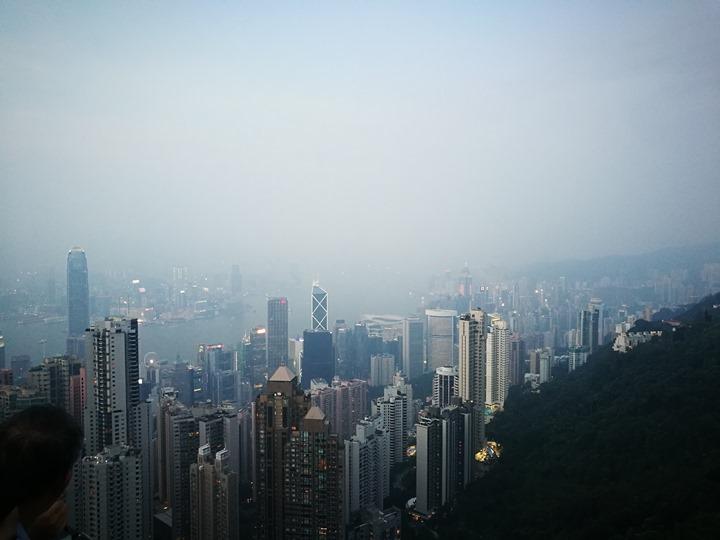 thepeak16 HK-擁擠的太平山The Peak 太平山夜景香港城市的擁擠