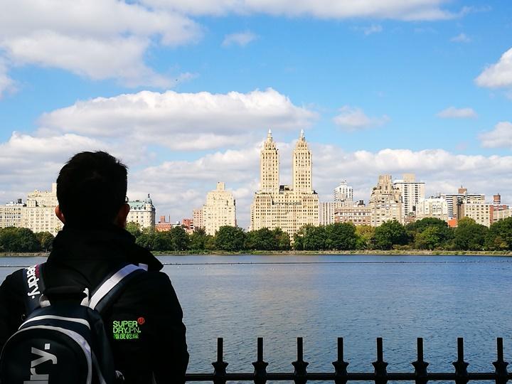 centralpark06 New York-果真大蘋果之紐約真好玩 中央公園 躺著曬太陽也愜意的好所在