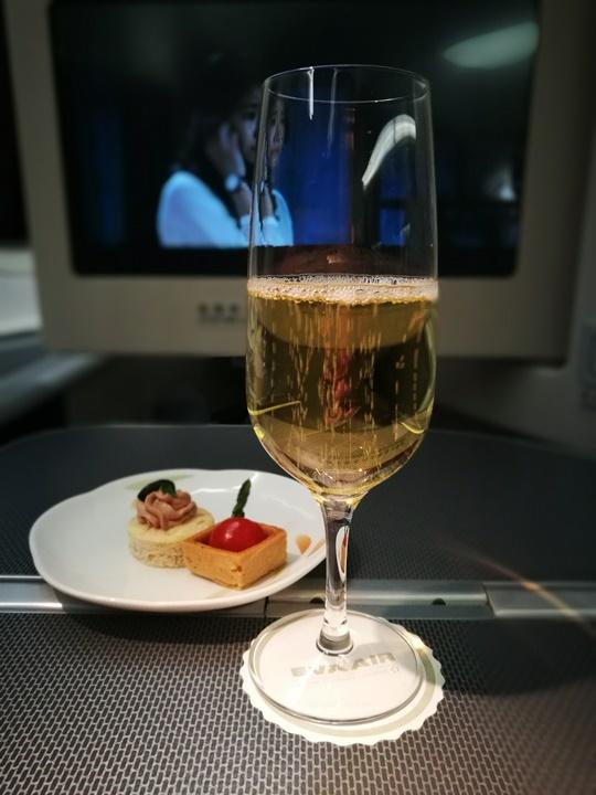 flyjfk20 201709台北紐約EVA皇璽桂冠艙初體驗 舒適溫馨有家的感覺...