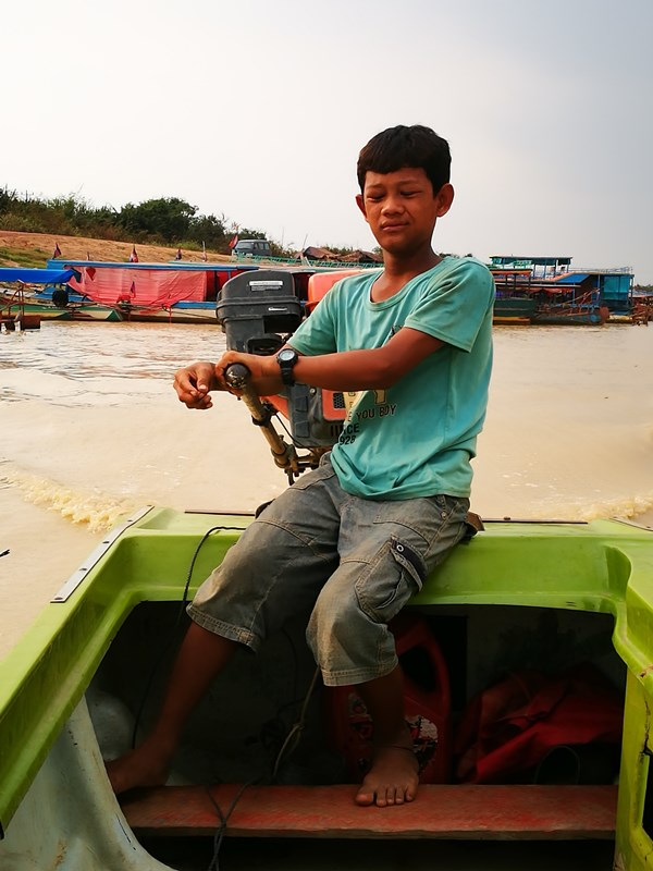 tonlesap02 Siem Reap-Tonle Sap洞里薩湖 柬埔寨的魚米鄉 落後環境中的知足生活