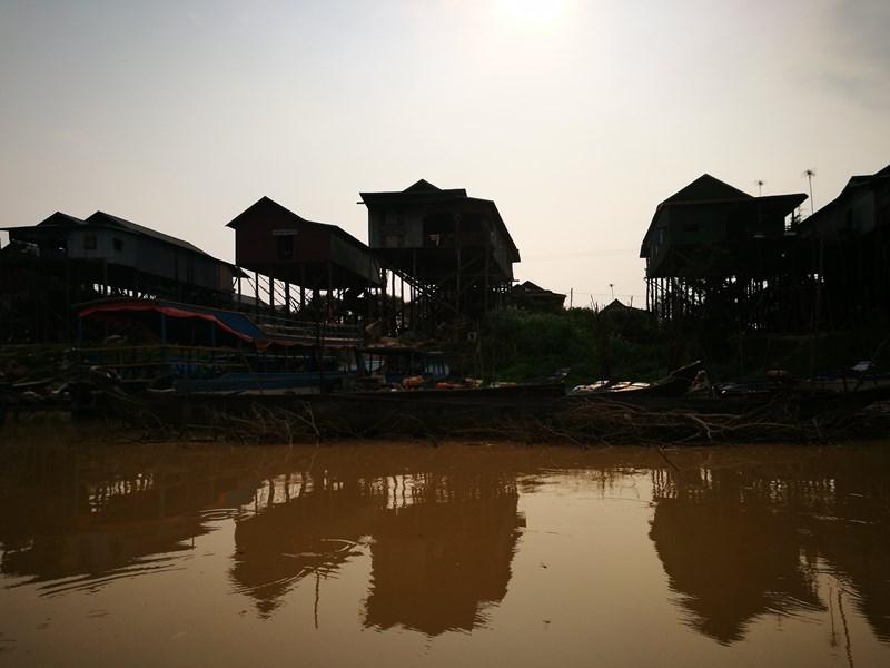 tonlesap07 Siem Reap-Tonle Sap洞里薩湖 柬埔寨的魚米鄉 落後環境中的知足生活