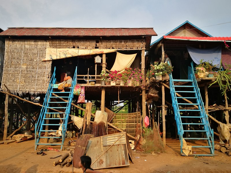 tonlesap17 Siem Reap-Tonle Sap洞里薩湖 柬埔寨的魚米鄉 落後環境中的知足生活