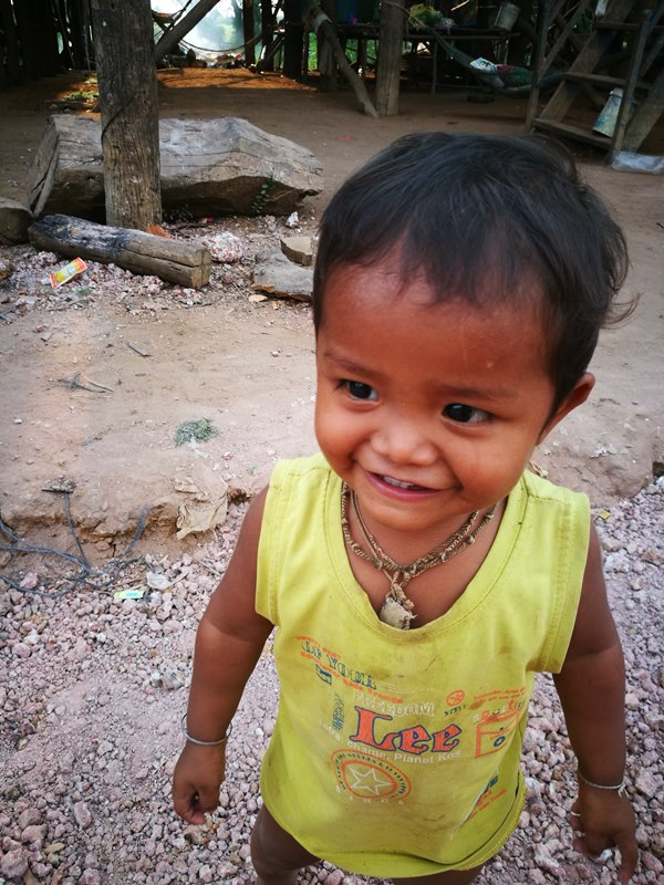 tonlesap21 Siem Reap-Tonle Sap洞里薩湖 柬埔寨的魚米鄉 落後環境中的知足生活