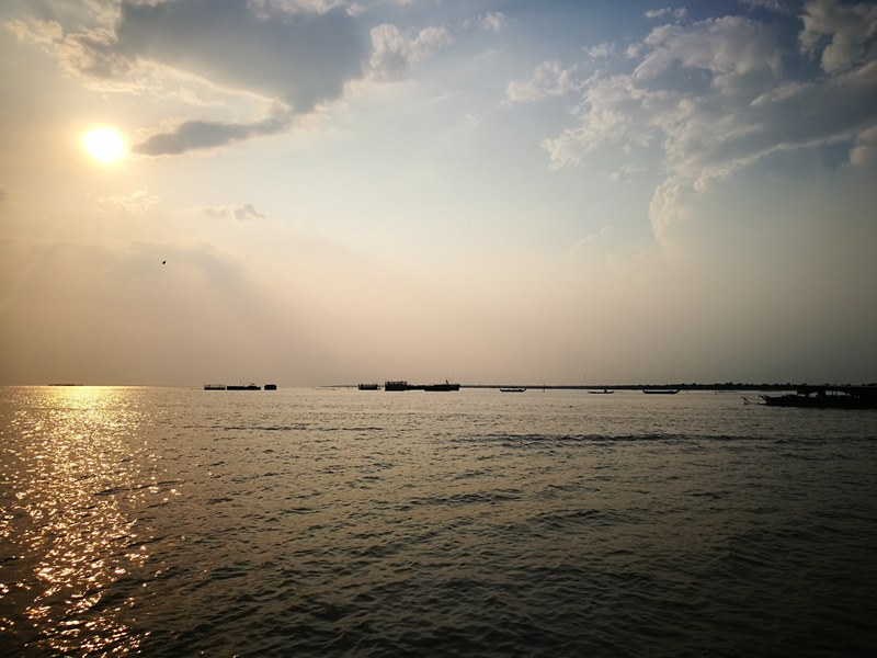 tonlesap29 Siem Reap-Tonle Sap洞里薩湖 柬埔寨的魚米鄉 落後環境中的知足生活