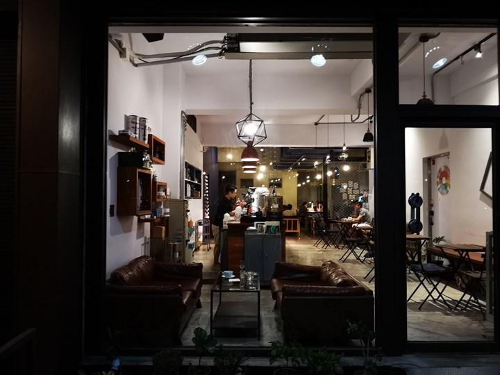 dawncafe05 新竹-續日Cafe 低調靜謐的工業風 清爽細緻的單品咖啡