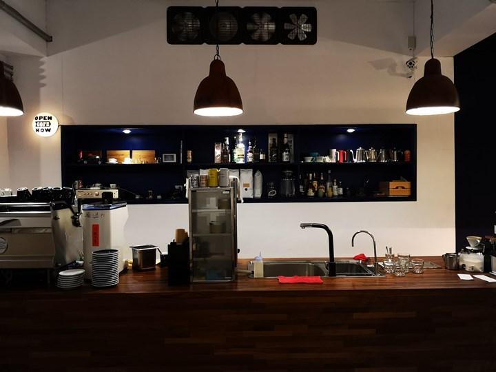 dawncafe09 新竹-續日Cafe 低調靜謐的工業風 清爽細緻的單品咖啡