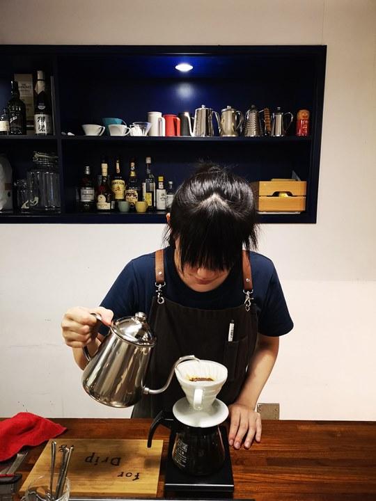 dawncafe24 新竹-續日Cafe 低調靜謐的工業風 清爽細緻的單品咖啡