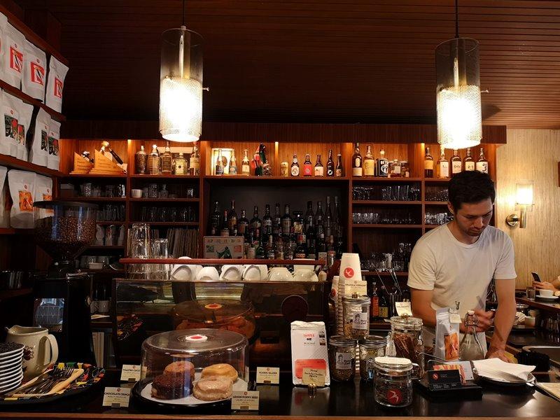 fuglen04 Shibuya-Fuglen Tokyo超好喝的網美咖啡館 澀谷代代木公園旁來自挪威奧斯陸展翅自由飛翔的咖啡館