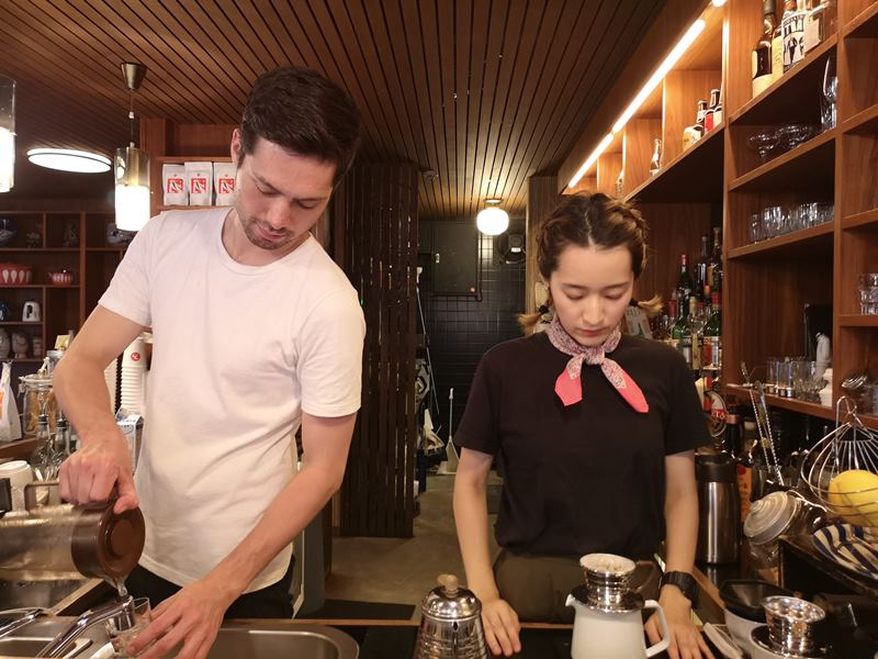 fuglen13 Shibuya-Fuglen Tokyo超好喝的網美咖啡館 澀谷代代木公園旁來自挪威奧斯陸展翅自由飛翔的咖啡館