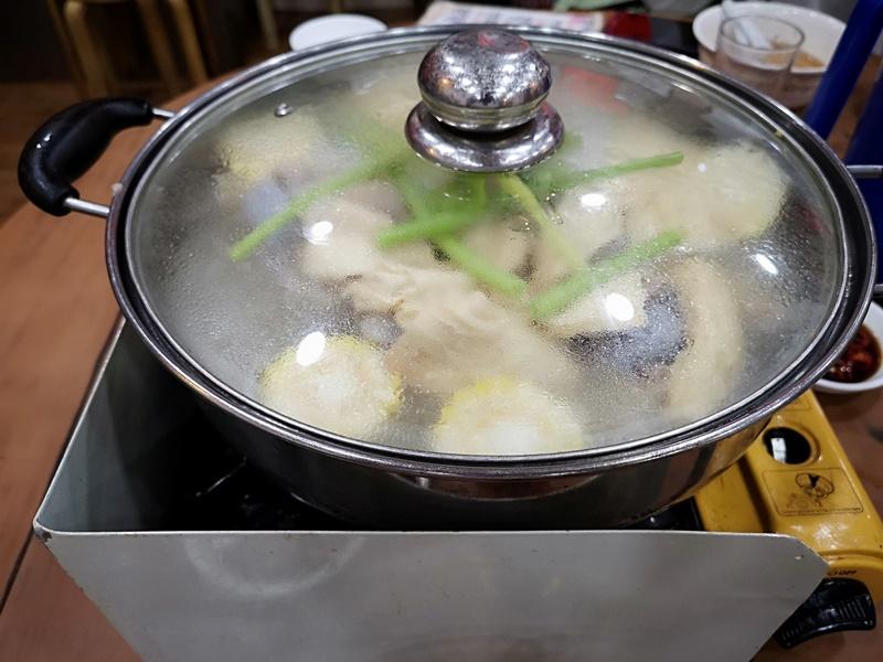 kunchi07 HK-坤記煲仔小菜 豬骨湯滑順濃郁 煲仔飯可口道地 必比登推薦小店