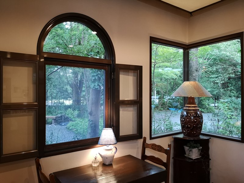 maruyama10 Karuizawa-來喝冠軍咖啡 丸山咖啡輕井澤本店 綠意盎然的林間小屋 環境佳咖啡香