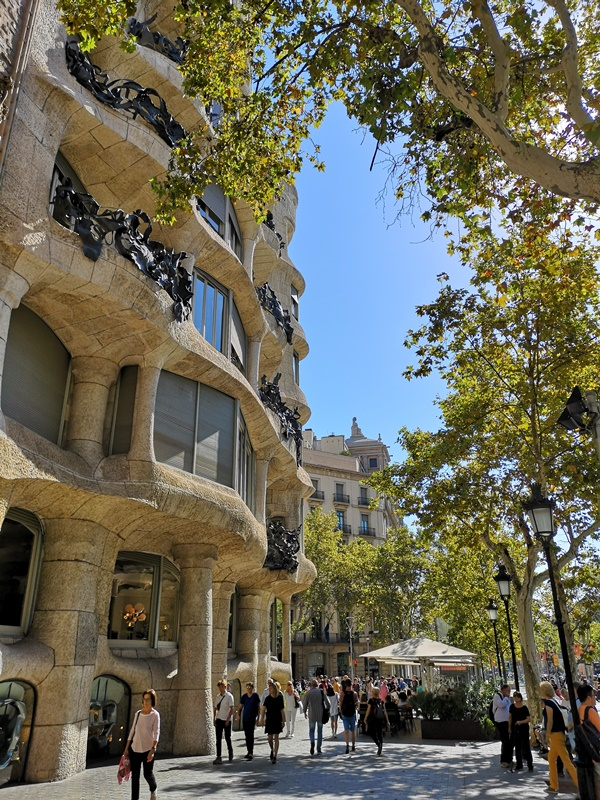 casamila07 Barcelona-巴塞隆納世界文化遺產 高第建築米拉之家 來自外星的設計