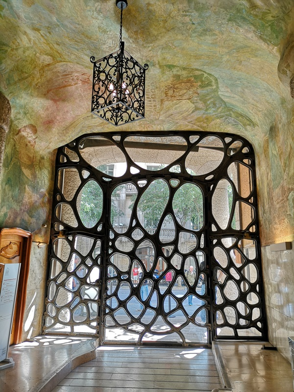 casamila12 Barcelona-巴塞隆納世界文化遺產 高第建築米拉之家 來自外星的設計