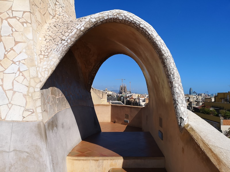 casamila23 Barcelona-巴塞隆納世界文化遺產 高第建築米拉之家 來自外星的設計