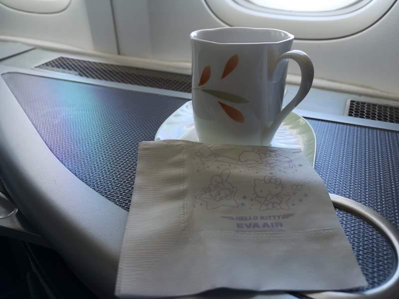 flysinsing23 201811台北新加坡 第一次享受KITTY商務艙
