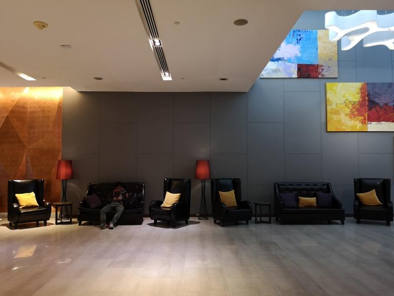 4PBKK03 Bangkok-曼谷Four Points商務飯店(曼谷福朋喜來登酒店-素坤逸15) 套房也簡單舒適