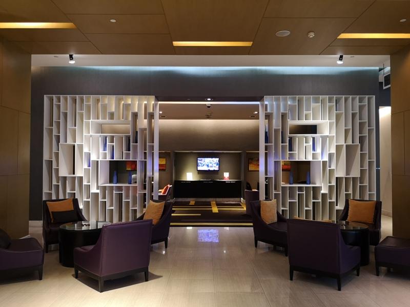 4PBKK04 Bangkok-曼谷Four Points商務飯店(曼谷福朋喜來登酒店-素坤逸15) 套房也簡單舒適