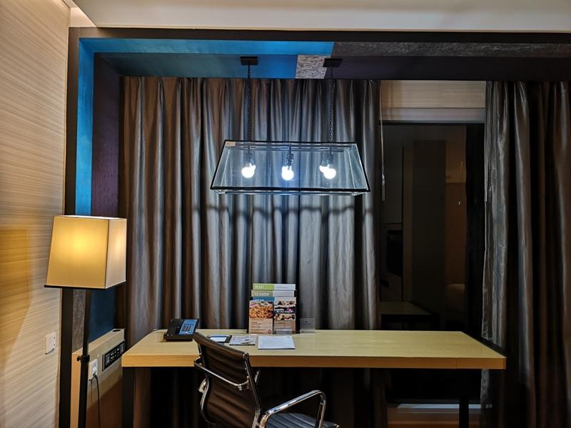 4PBKK10 Bangkok-曼谷Four Points商務飯店(曼谷福朋喜來登酒店-素坤逸15) 套房也簡單舒適