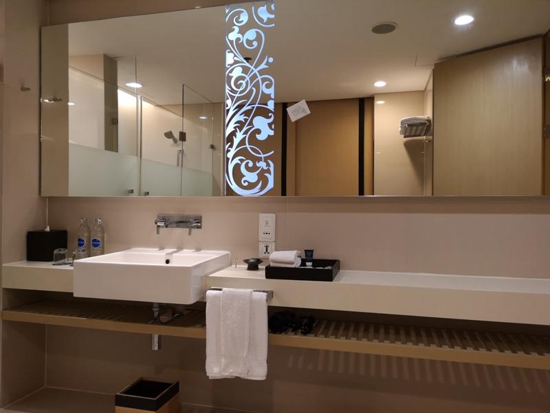 4PBKK13 Bangkok-曼谷Four Points商務飯店(曼谷福朋喜來登酒店-素坤逸15) 套房也簡單舒適