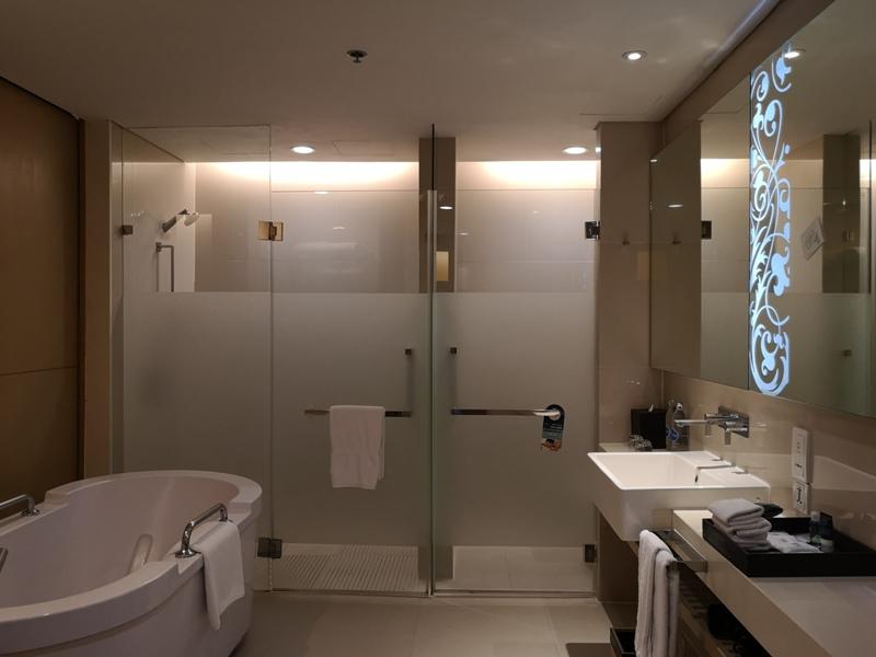 4PBKK15 Bangkok-曼谷Four Points商務飯店(曼谷福朋喜來登酒店-素坤逸15) 套房也簡單舒適