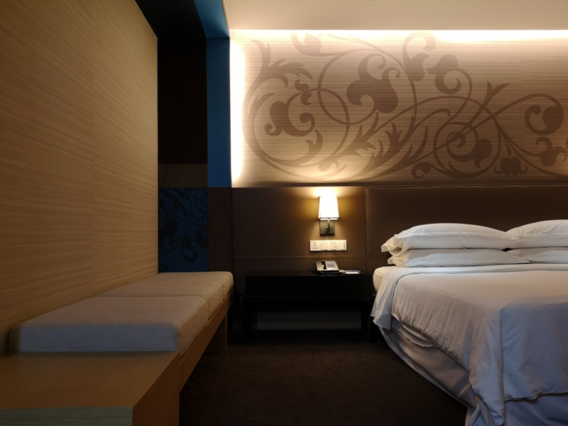 4PBKK18 Bangkok-曼谷Four Points商務飯店(曼谷福朋喜來登酒店-素坤逸15) 套房也簡單舒適