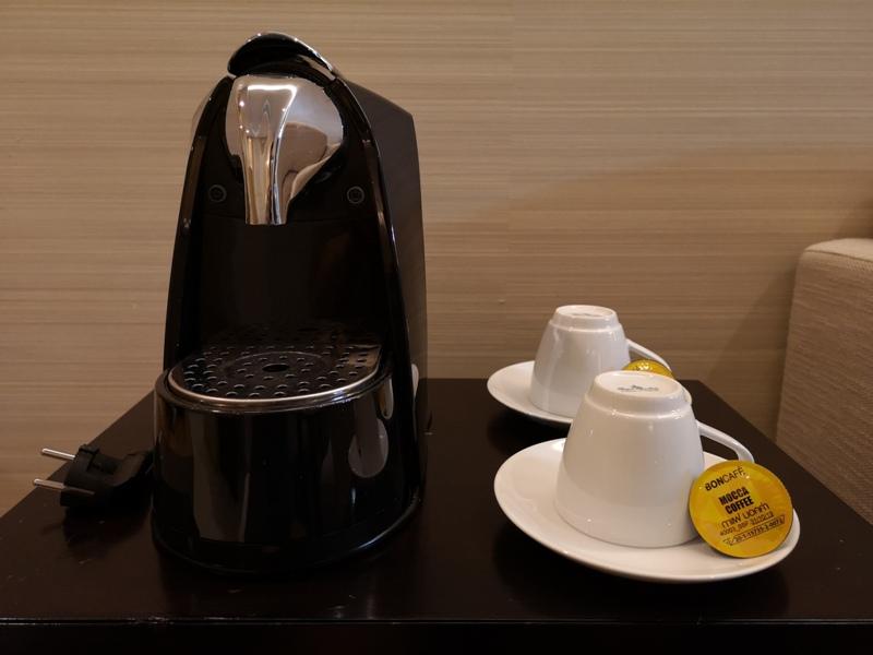 4PBKK24 Bangkok-曼谷Four Points商務飯店(曼谷福朋喜來登酒店-素坤逸15) 套房也簡單舒適