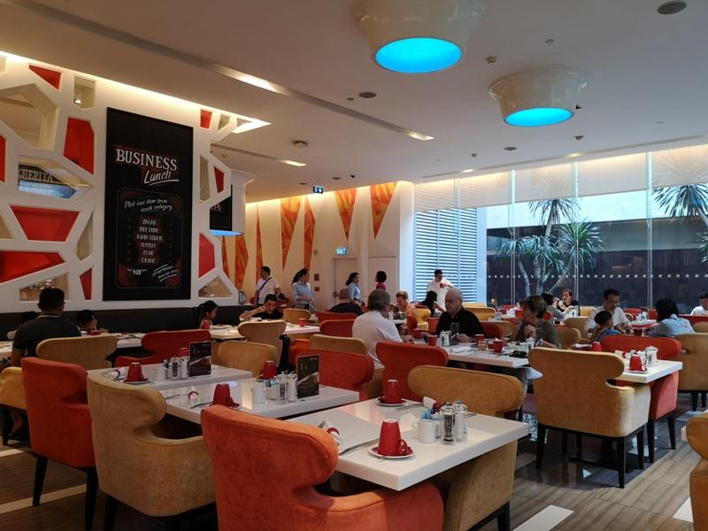4PBKK30 Bangkok-曼谷Four Points商務飯店(曼谷福朋喜來登酒店-素坤逸15) 套房也簡單舒適