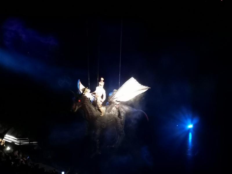 kaanshow0112 Pattaya-芭達雅KAAN show奇幻秀 舞台設計特效雜技泰拳投影雷射4D超精彩必看表演