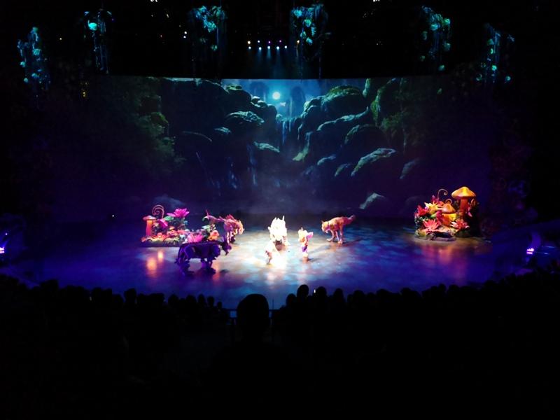kaanshow0119 Pattaya-芭達雅KAAN show奇幻秀 舞台設計特效雜技泰拳投影雷射4D超精彩必看表演