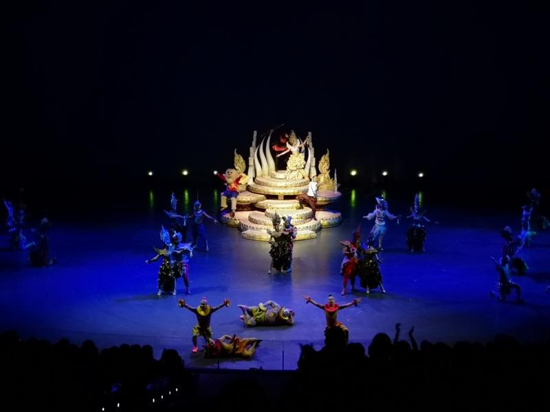 kaanshow0124 Pattaya-芭達雅KAAN show奇幻秀 舞台設計特效雜技泰拳投影雷射4D超精彩必看表演