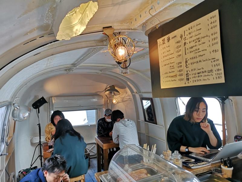 airstream10 Harajuku-the Airstream Garden表參道小巷內 巴士造型咖啡館 人氣打卡勝地
