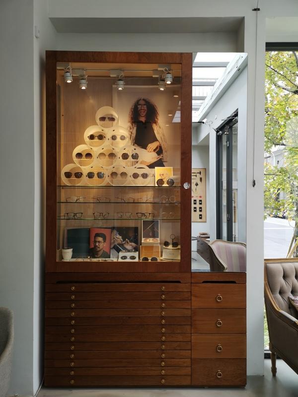 hitomicoffee19 南屯-Hitomi喜德盛 賣眼鏡也賣咖啡 Loft風簡單超好拍