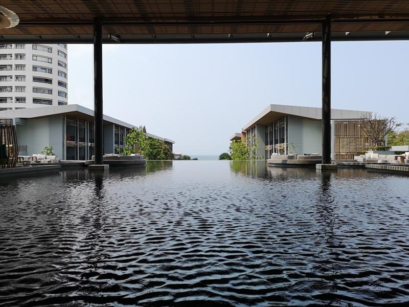 renaissancepattaya6104 Pattaya-Renaissance Pattaya Resort & Spa芭達雅萬麗 悠閒度假無邊際游泳池好舒爽