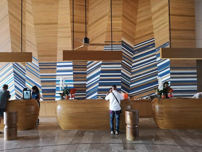 renaissancepattaya6107 Pattaya-Renaissance Pattaya Resort & Spa芭達雅萬麗 悠閒度假無邊際游泳池好舒爽