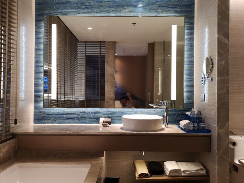 renaissancepattaya6131 Pattaya-Renaissance Pattaya Resort & Spa芭達雅萬麗 悠閒度假無邊際游泳池好舒爽