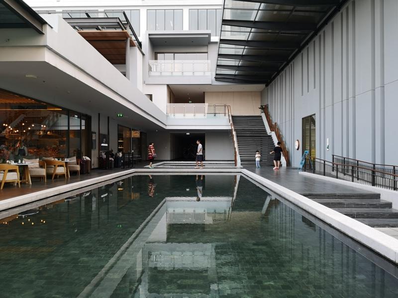 renaissancepattaya6140 Pattaya-Renaissance Pattaya Resort & Spa芭達雅萬麗 悠閒度假無邊際游泳池好舒爽