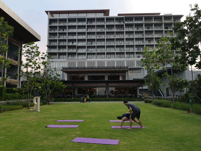renaissancepattaya6143 Pattaya-Renaissance Pattaya Resort & Spa芭達雅萬麗 悠閒度假無邊際游泳池好舒爽