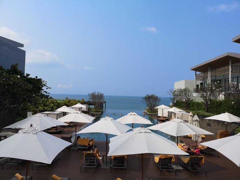 renaissancepattaya6153 Pattaya-Renaissance Pattaya Resort & Spa芭達雅萬麗 悠閒度假無邊際游泳池好舒爽