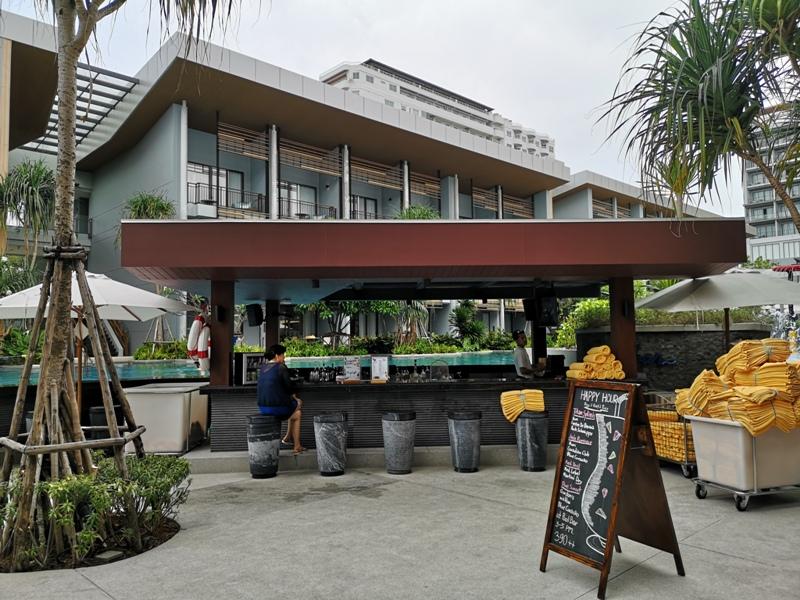 renaissancepattaya6154 Pattaya-Renaissance Pattaya Resort & Spa芭達雅萬麗 悠閒度假無邊際游泳池好舒爽