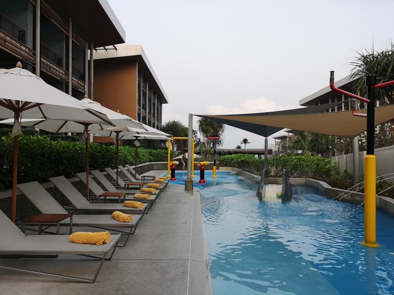 renaissancepattaya6157 Pattaya-Renaissance Pattaya Resort & Spa芭達雅萬麗 悠閒度假無邊際游泳池好舒爽