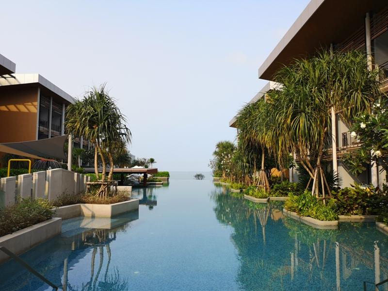 renaissancepattaya6158 Pattaya-Renaissance Pattaya Resort & Spa芭達雅萬麗 悠閒度假無邊際游泳池好舒爽