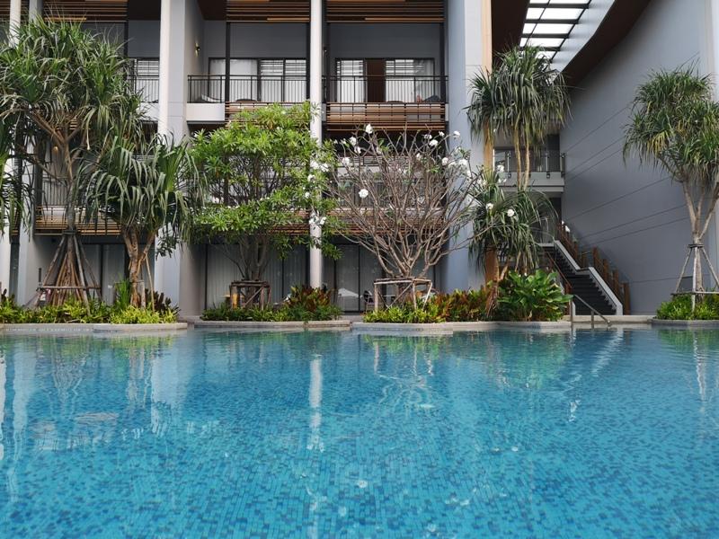 renaissancepattaya6159 Pattaya-Renaissance Pattaya Resort & Spa芭達雅萬麗 悠閒度假無邊際游泳池好舒爽