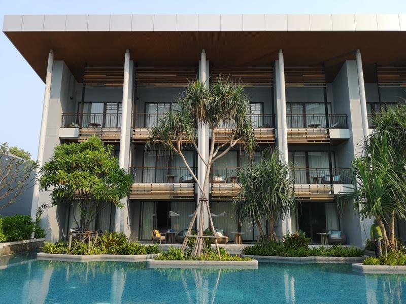 renaissancepattaya6160 Pattaya-Renaissance Pattaya Resort & Spa芭達雅萬麗 悠閒度假無邊際游泳池好舒爽